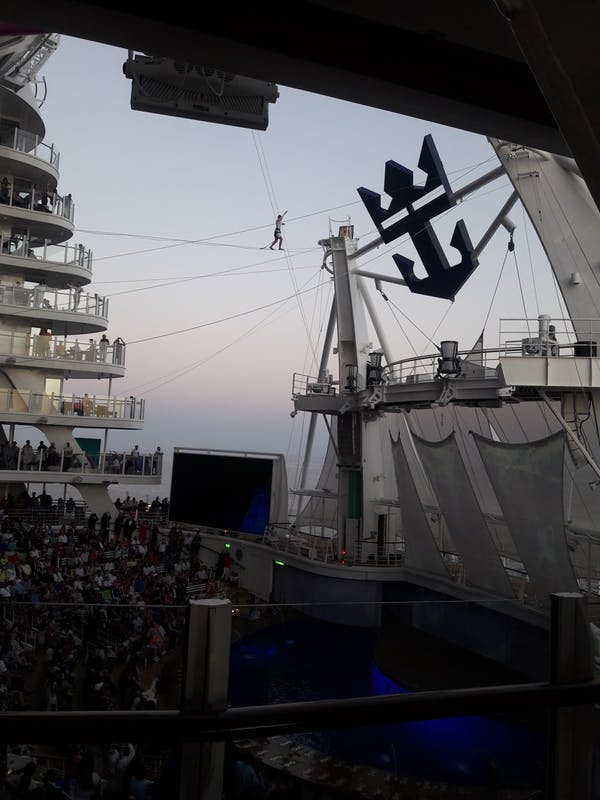 Aqua Theater - Symphony of the Seas