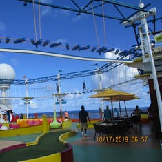 Sports square ropes course