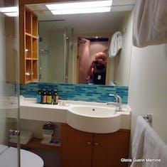 Port Canaveral, Florida - Suite bath