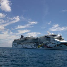 cruise on Norwegian Jewel to Caribbean - Bahamas