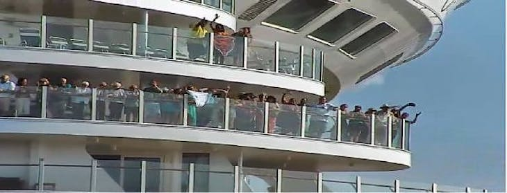Sailaway Party - Leaving Ft Lauderdale - Oasis of the Seas