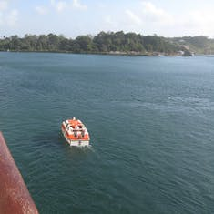 Tendering to shore in Gatun Lake