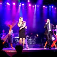Amsterdam Singers & Dancers - Queen's Lounge