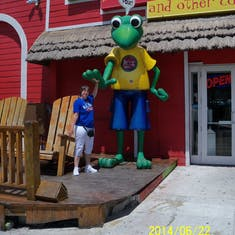 Nassau, Bahamas - Slap me five Senior Frog.
