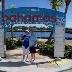 Nassau, Bahamas - We were her before but didn't get the chance to do this photo op.