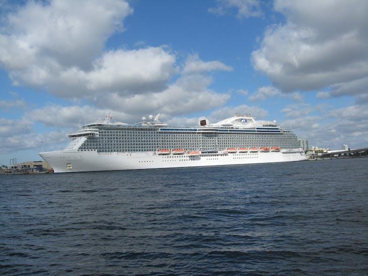 Ft. Lauderdale (Port Everglades), Florida - Our ship, saying goodbye @ Port Everglades