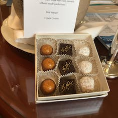 welcome chocolates and note