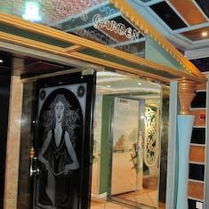 Entrance to Gatsby garden