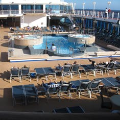 Pool deck, good hot tubs, no chair hogging either