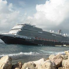 Ship in Half Moonm Cay