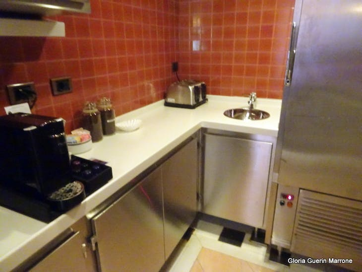 Port Canaveral, Florida - Kitchenette in Suite
