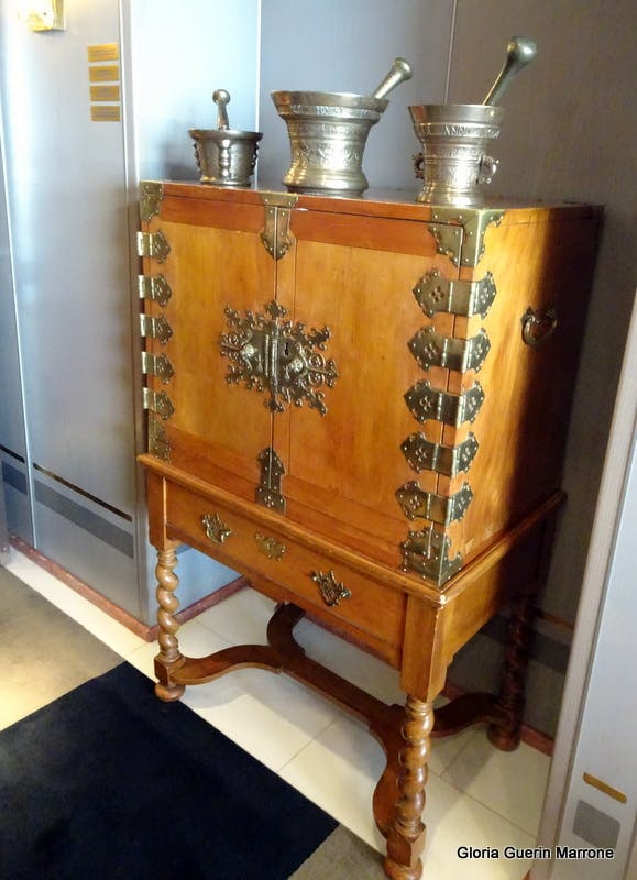 Port Canaveral, Florida - Lovely Chest of Drawers in Suite