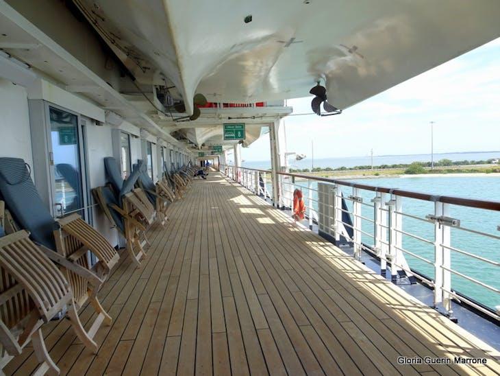 Promanade Deck - lanai Cabins - Veendam