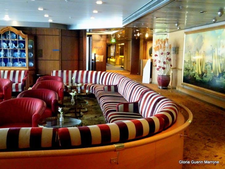 Different View of Explorer's Lounge - Veendam