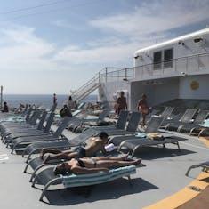 lounging deck/helipad