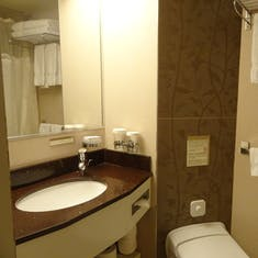 Boston, Massachusetts - Bathroom - Cabin 2621