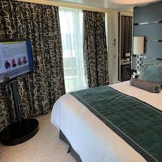 Bedroom in the Norwegian Breakaway Deluxe Owner's Suite (Category H2)