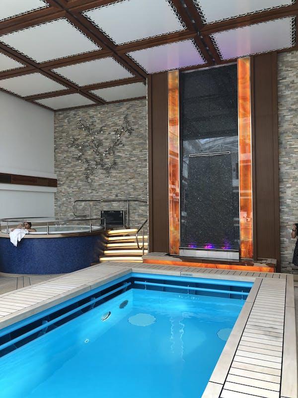 The Haven courtyard pool - Norwegian Joy