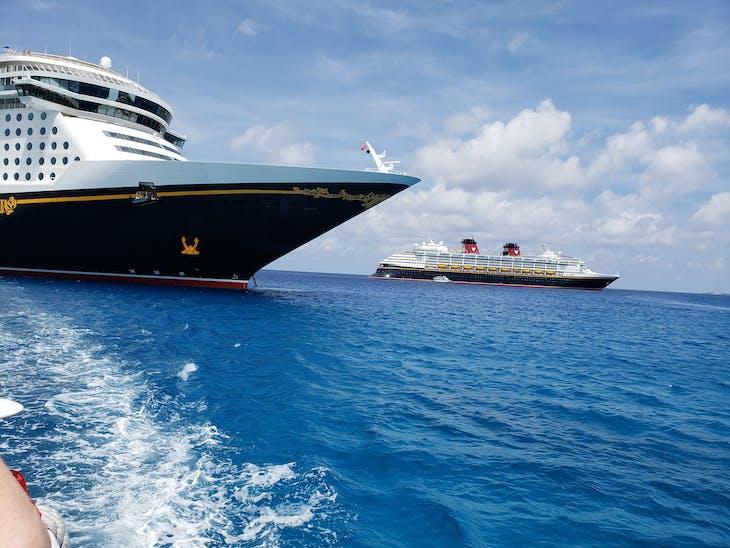 Sister ships - Disney Fantasy