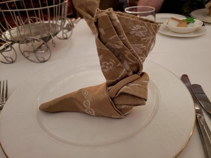 Boot napkin origami - Disney Fantasy