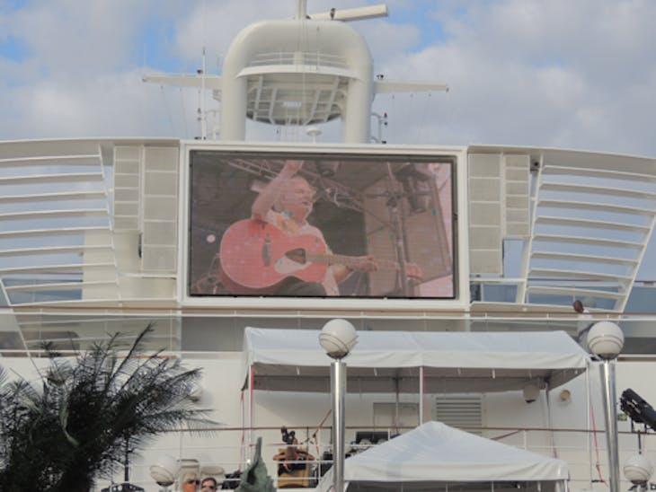 Ocho Rios, Jamaica - Dave Cousins of Strawbs on Giant Screen (Moody Blues Cruise)