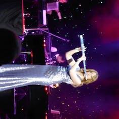 Entertainer in Queen's Lounge