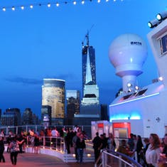 Freedom tower on sail away from Manhattan