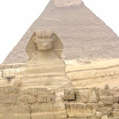 Sphinx and pyramid of King Kahfre.