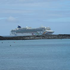 Norwegian Pearl at Great Stirrup Cay
