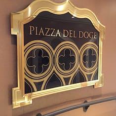 Piazza Del Doge