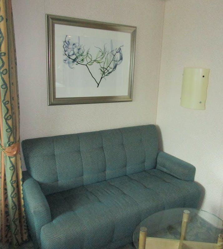Comfy Sofa - Freedom of the Seas