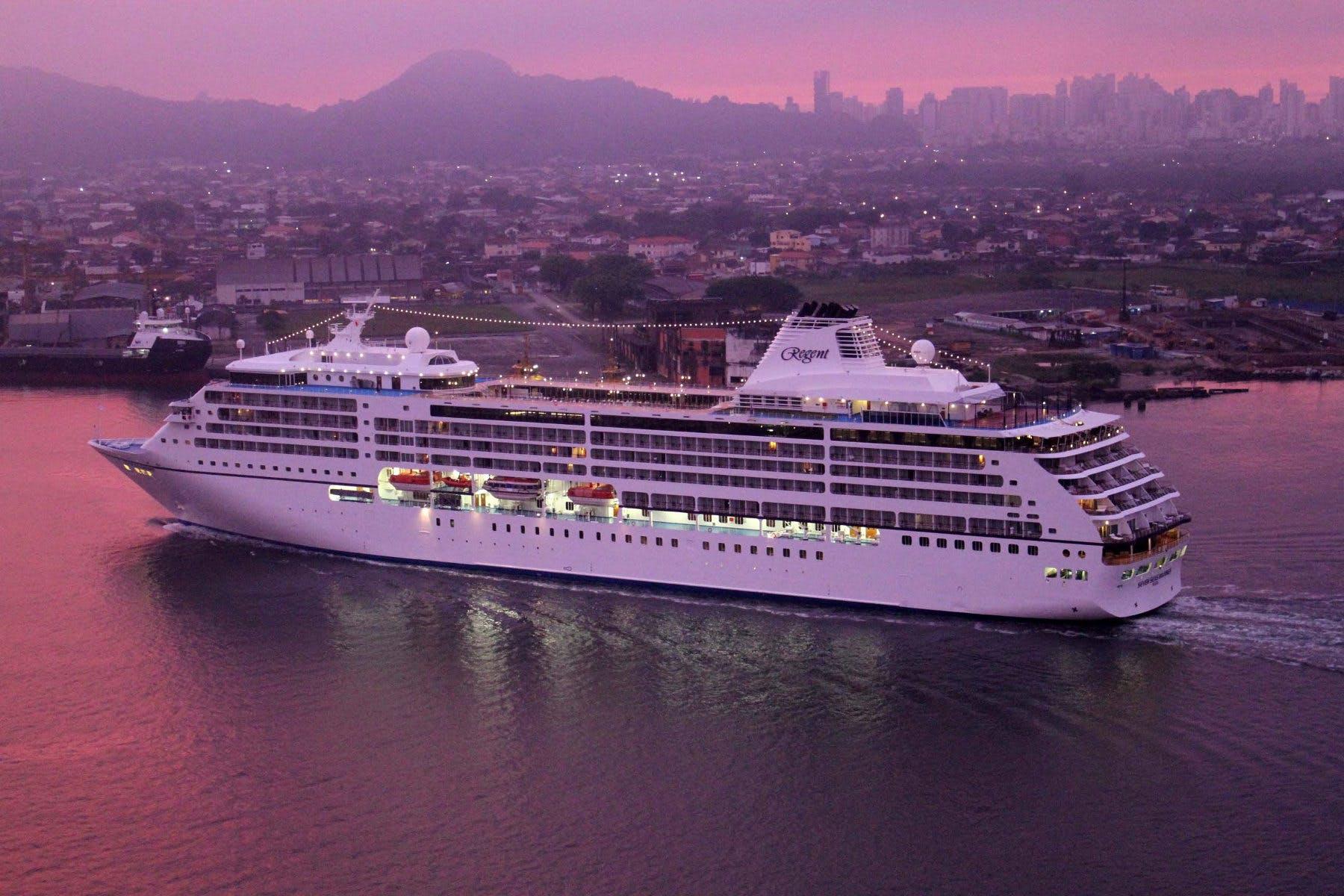 Seven Seas Navigator, Photo