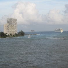Great departure, from Lauderdale, Ruby and Caribbean Princess just ahead of us