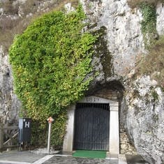 Slavonia entrance to 35 miles of caves